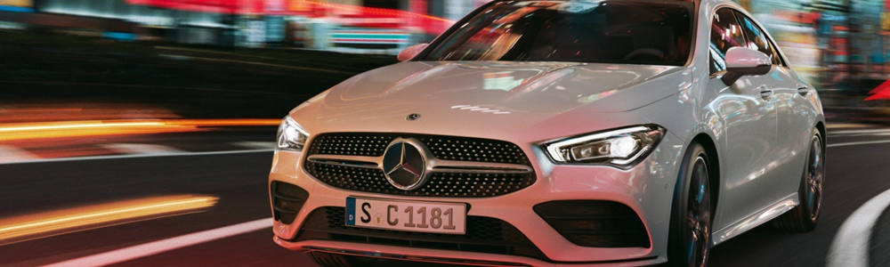 CLA Coupe bei Nacht