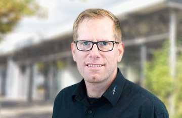 Daniel Bueschkes