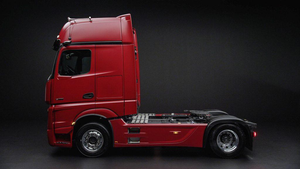 Foto Mercedes Benz LKW - der neue Actros, Zugmaschine