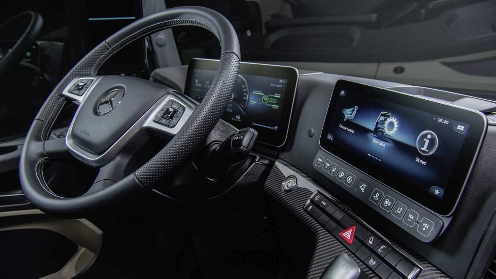 Foto Mercedes Benz LKW - der neue Actros - Innenansicht