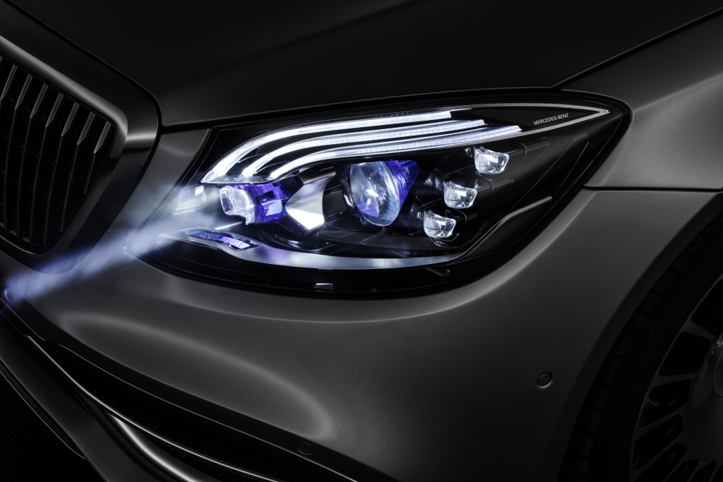 Foto Mercedes- Benz DIGITAL LIGHT