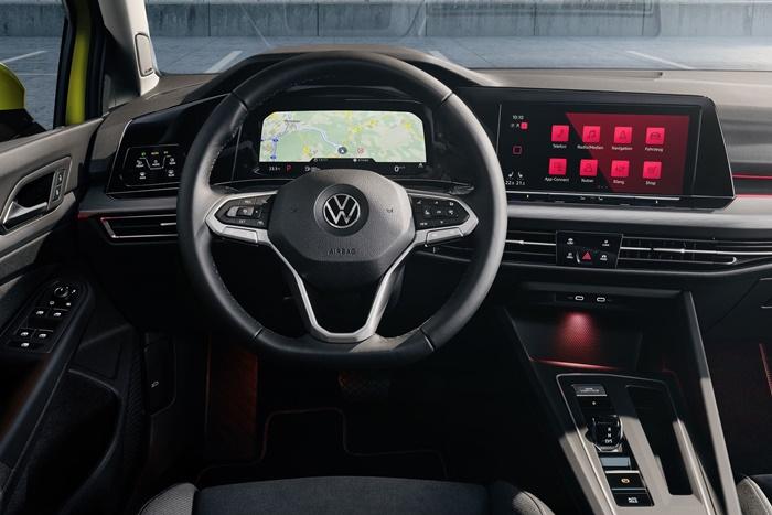 VW Golf Cockpit